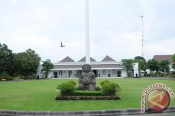 Mengenal Istana Kepresidenan - Cerita revolusi dari Gedung Agung