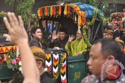 Presiden Jokowi sampaikan terima kasih usai resepsi Kahiyang-Bobby