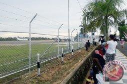 Tabalong Regent seeks to extend flights in Warukin Airport
