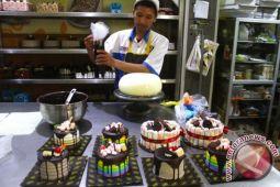 Pembuat kue banjir orderan jelang Natal