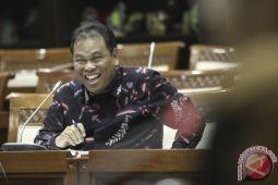 DPR absen uji materi UU Pengadilan Pajak