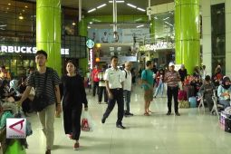 Arus Balik Mulai Padati Stasiun Gambir