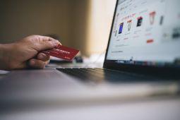 Empat barang favorit para ibu saat belanja online
