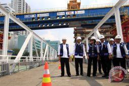 Tinjau Pembangunan Jalur Ganda Bandara Kualanamu