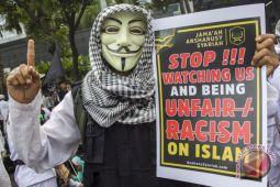Demo Protes Facebook
