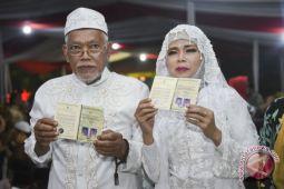 Panggung hingga nikah massal ramaikan pergantian tahun di Jakarta