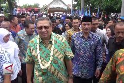 SBY perkenalkan panggilan 'Bude Khofifah' di Madiun