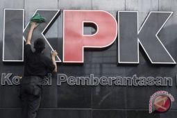 Mengapa pejabat negara/kepala daerah tidak belajar jera atas pemidanaan KPK?