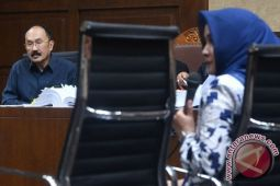 Fredrich Yunadi arahkan telunjuk ke jidad di persidangan, jaksa protes
