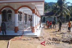 BPBD Aceh Selatan bersihkan timbunan longsor
