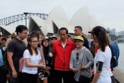"""Jokowi """"ngevlog"""" di pinggir Sydney Opera House"""
