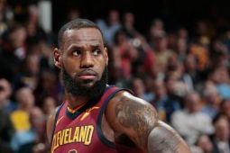 LeBron James sokong Cavaliers imbangi Pacers 2-2