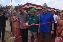 Ditjen EBTKE resmikan PLTS Terpusat di Siak, Riau