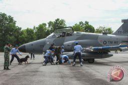 Belasan pesawat tempur latihan bersama di Riau
