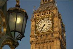 Rayakan malam tahun baru, lonceng Big Ben kembali berdentang
