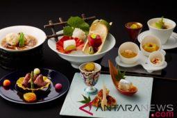 "Keio Plaza Hotel Tokyo gelar ""The 38th Arita and Imari Porcelain Exhibition"""