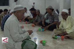 Layani masyarakat, DKI tiru buka puasa di Makkah dan Madinah