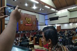 Sidang DPR Aceh Aceh molor hingga 2 jam