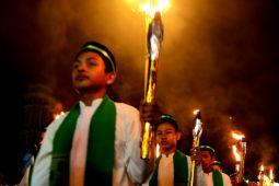 Umat muslim di Kuta pawai takbir keliling