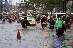 Banjir Di Jalan Protokol Margonda Depok