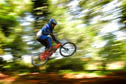 Berlatih BMX Di UI Bikepark