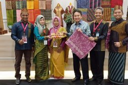 Tenun Sambas jadi pilihan Gubernur Bank Indonesia