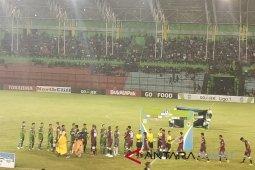 PSMS bermain imbang 1-1 PSM Makassar babak pertama