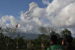 Warga lintas agama berdoa pascaerupsi Gunung Agung
