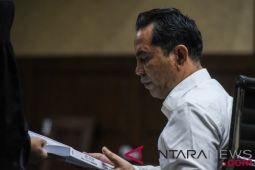 Abdul Latif Dituntut Delapan Tahun