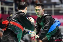 Untag presents scholarship to Asian Games medalist