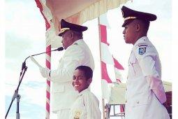 PLN berikan beasiswa bocah pemanjat tiang bendera