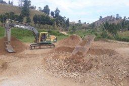 Satgas : Material Penimbunan Jalan Desa Tercukupi