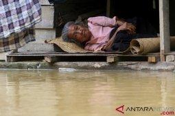 Warga Nagan Raya masih terkurung banjir