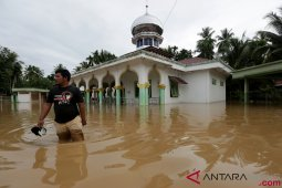 Banjir  Aceh Jaya rendam belasan sekolah