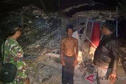 Mensos kunjungi korban gempa di Sumenep