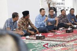 """Kepala Desa ditantang menulis """"cerita manis"""" tentang Lombok Tengah"""