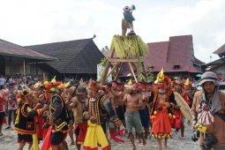 Atraksi  Famadaya Harimo menjadi perhatian wisatawan