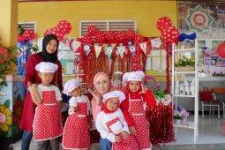 <p>Taman Kanak-Kanak Islam Terpadu (TKIT) dan Kelompok Bermain (KOBER) Bina Bangsa Islamic School (BBIS) mengadakan
