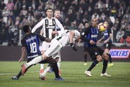 Gol Mario Mandzukic Menjadi Penentu Kemenangan Juventus Saat Menang 1 0 Atas Inter Milan Pada Pertandingan Derby DItalia Yang Dimainkan Di Stadion Allianz
