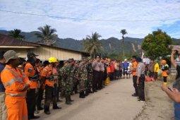 Puluhan personel terus lakukan pencarian korban banjir Dairi