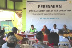 Setelah menunggu 23 tahun, akhirnya Desa Air Durian tersambung PLN