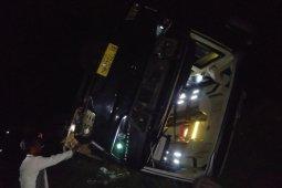 Bus rombongan peziarah asal Sumbar terguling di Sumut