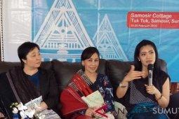 Sastrawan Fira Basuki motivasi kaum milenial Samosir