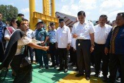 Menko Kemaritiman resmikan Kapal Roro Ihan Batak di Pelabuhan Ajibata