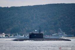 Kapal selam terbakar, 14  pelaut Rusia tewas
