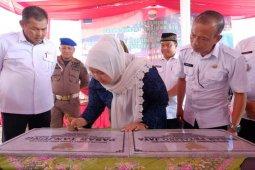 Bupati Masnah resmikan pasar rakyat Tanjung dan Petaling Jaya