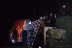 Kondisi penyeberangan di Dermaga Sunyat masih kacau