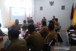 Ombudsman berikan sosialisasi standar pelayanan publik OPD di Melawi