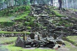 Situs Jami Paciing berusia ratusan tahun di Bogor jadi tempat ziarah