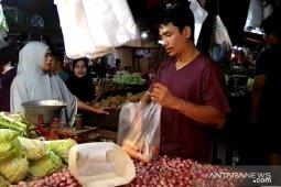 Harga bawang putih jelang Ramadhan melonjak